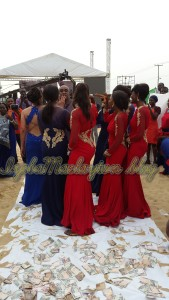 Ibinabo and her bridesmaids dancing Shoki